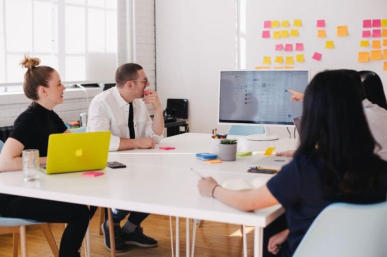Prozesse im Unternehmen managen Teammeeting